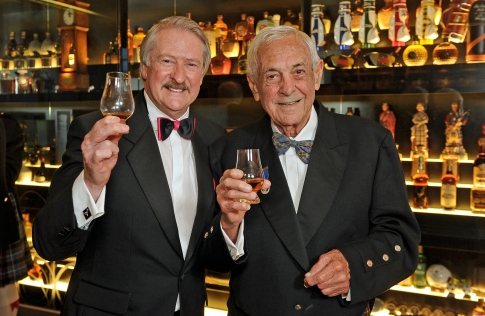 Claive Vidiz (Right) with Whyte & Mackay Master Blender Richard Paterson, on a visit to Edinburgh in March 2017 (photo: copyright Diageo)