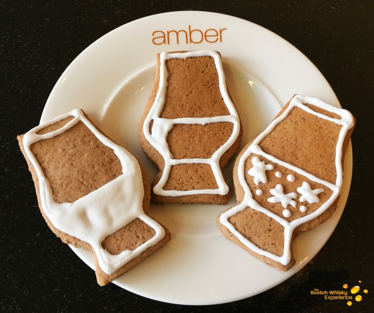 The Scotch Whisky Experience blog - traditional Christmas gingerbread with a whisky theme