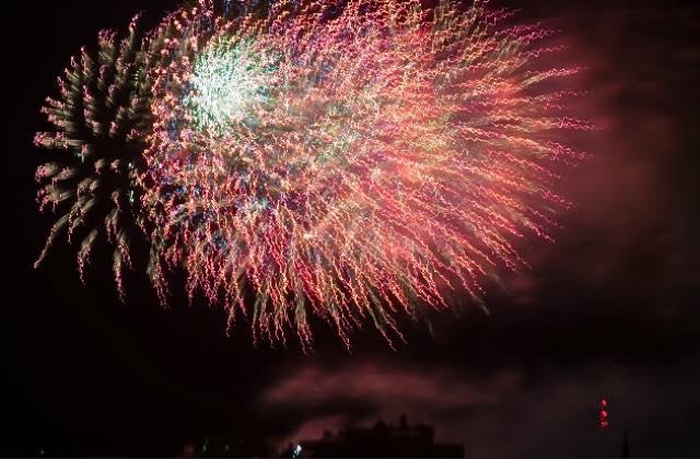 Fireworks in Edinburgh (credit and copyright: prettylittleworld_87)